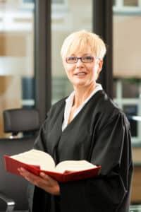 Der passende Fachanwalt für Bankrecht in Mainz sollte auf Ihr Thema spezialisiert sein.