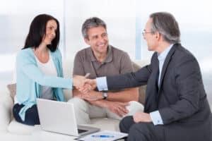 Wenden Sie sich an einen Rechtsanwalt für Bankrecht in Leipzig, wenn Sie z. B. Fragen zu einem Kreditvertrag haben.