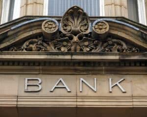 Vergleichen Sie Forward-Darlehen. Jede Bank bietet ein anderes Angebot an.