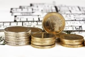 Eine Baufinanzierung durch die Bank ist für viele Verbraucher notwendig.
