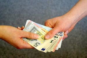 Die Rückforderung einer gezahlten Bearbeitungsgebühr ist einer Verjährung unterworfen.