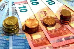 Tagesgeld ist als Geldanlage dank Einlagensicherung sehr sicher.