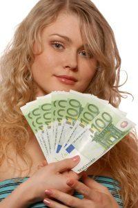 Vorsicht: Eine seriöse Bank überweist den Betrag auch beim Minikredit nicht sofort aufs Konto.