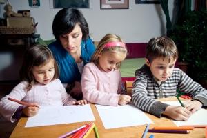 Auch Kinder können einen Freistellungsauftrag stellen: Das Finanzamt zieht dann weniger Steuer ein.