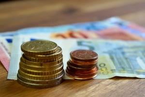 Das Tagesgeld ermöglicht es Geschäftskunden einer Bank, flexibel zu sparen.