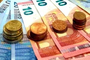 Wie müssen Bilanzbuchhalter Bereitstellungszinsen buchen? Sie sind als Nebenkosten im Geldverkehr zu berücksichtigen.