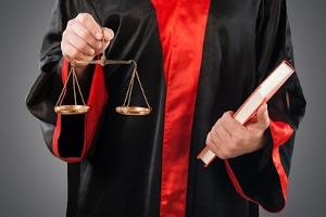 Nutzen Sie für den Widerruf vom Autokredit ggf. Ihre Rechtsschutzversicherung, v. a. bei unklarer Rechtslage.
