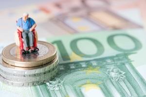 Rentner können sich, wenn sie auswandern, die Rente monatlich auszahlen lassen.