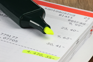 Kontoführungsgebühren: Eine Befreiung gibt es häufig für Schüler und Studenten.