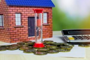 Bei der Hausfinanzierung spielt der Zinssatz eine wichtige Rolle.